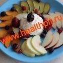 Салат из фруктов с творогом