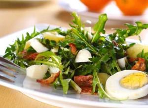Салат из одуванчиков весенний