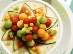 Фруктовый салат из дыни и арбуза