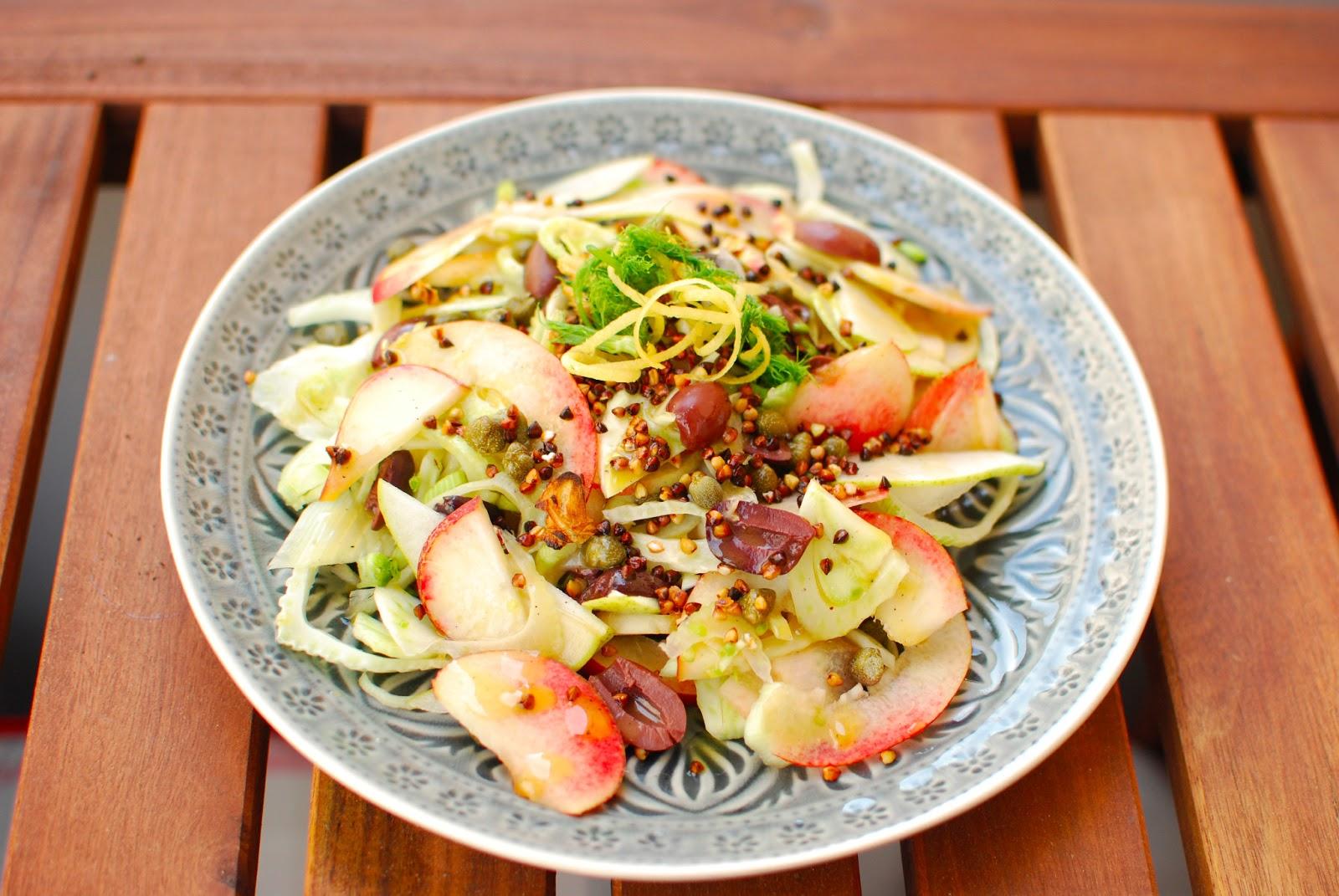 Вкусный и красивый салат из фенхеля и гречки