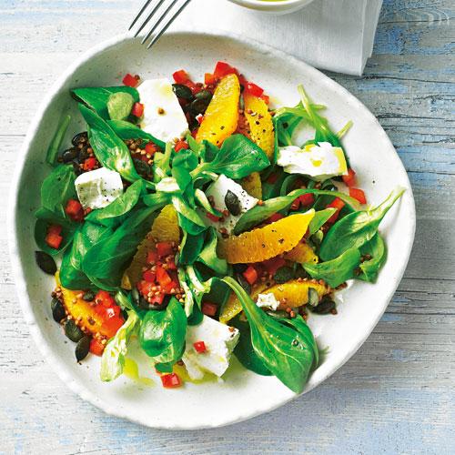 Простой салат со шпинатом и гречкой