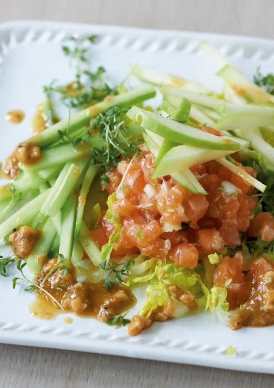 Рыбный тартар с овощами